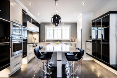 Armoire de cuisine à St-Lazare - Comptoir de quartz