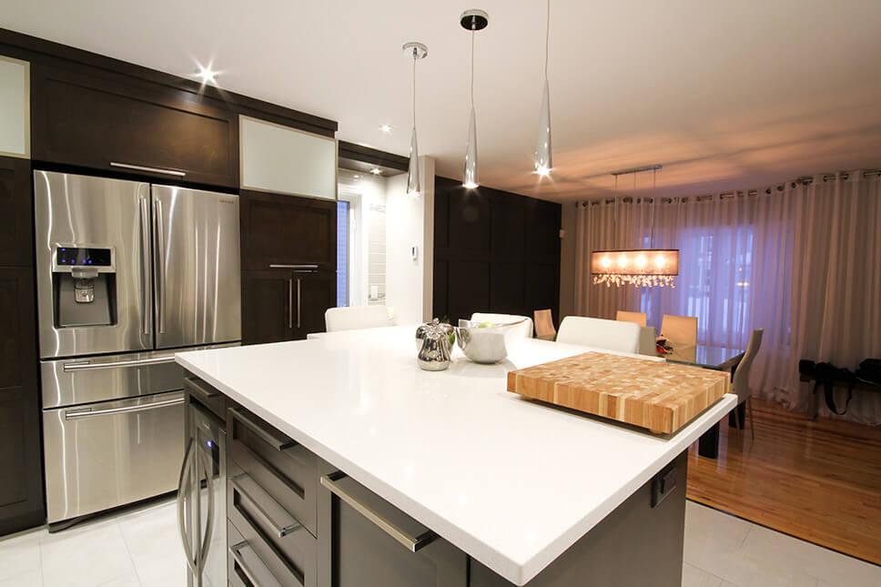 Armoire de cuisine le gardeur comptoir en quartz for Armoire de cuisine mrs