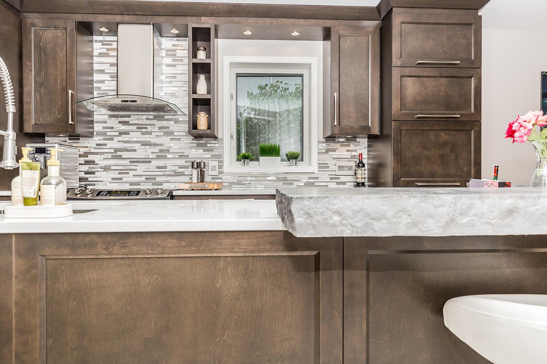 Armoire de cuisine terrebonne comptoir en quartz et for Armoire de cuisine mrs
