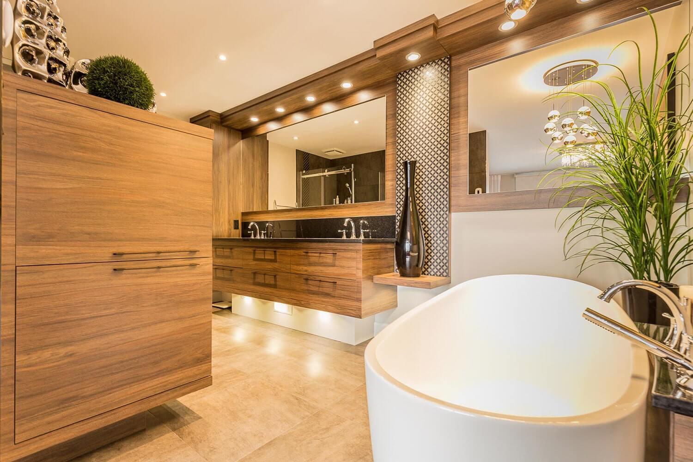 Salle de bain à Pointe aux trembles (Mtl) • Comptoir en granit