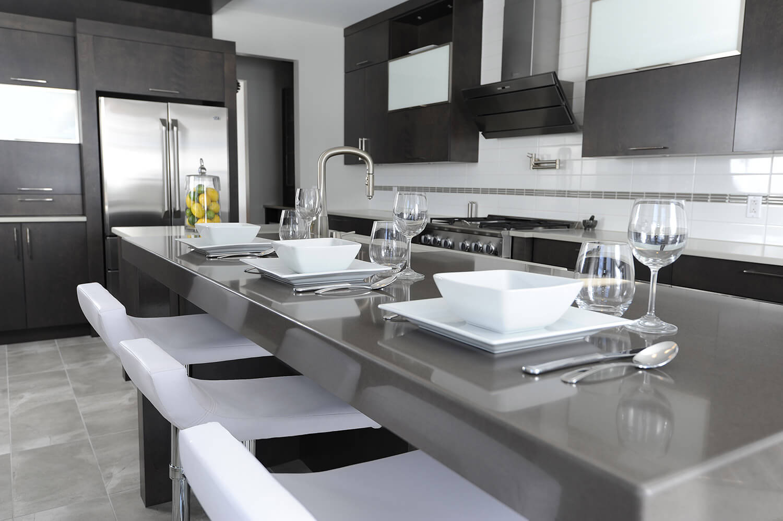 Armoire de cuisine à Terrebonne - Comptoir de Quartz