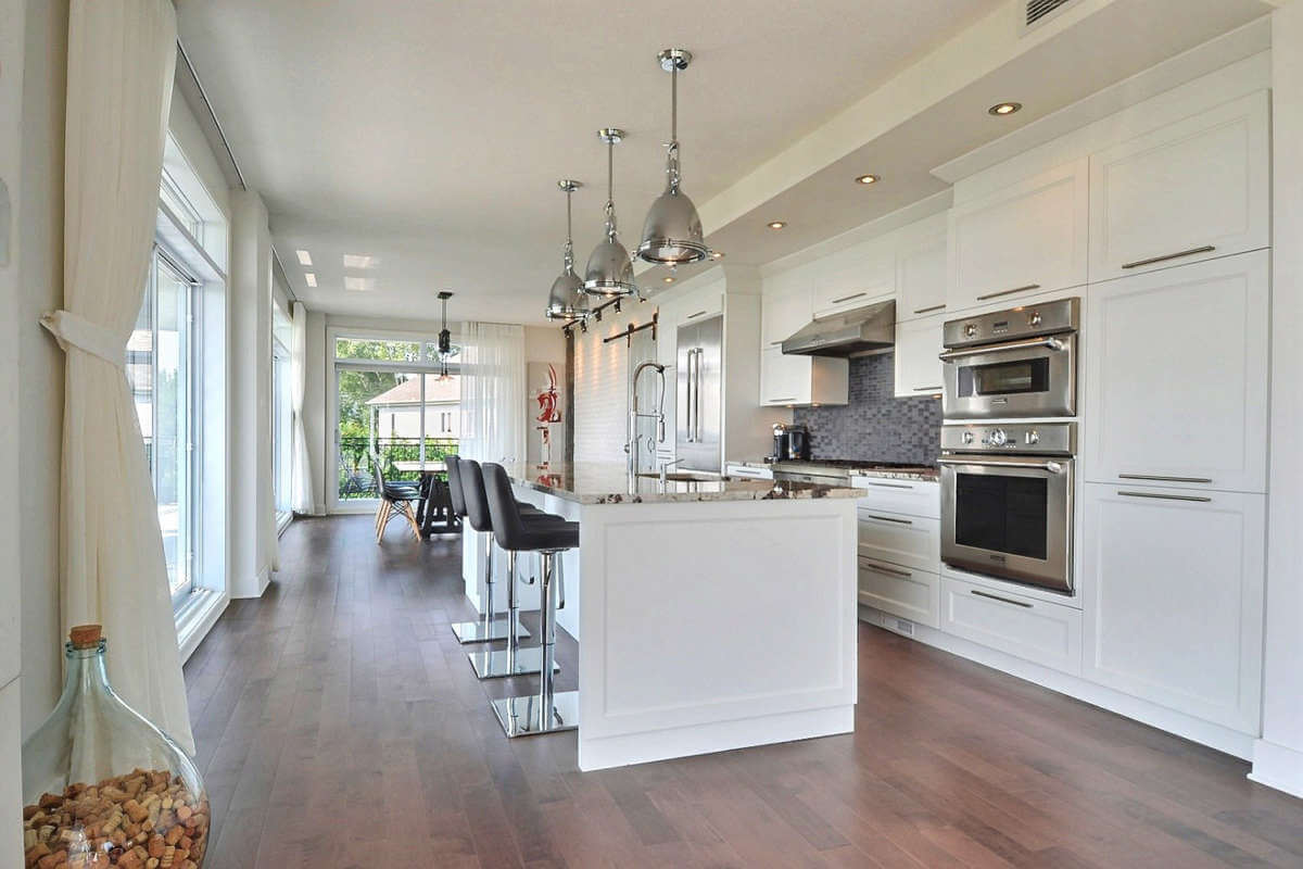 Armoire de cuisine à Repentigny - Comptoir de granite