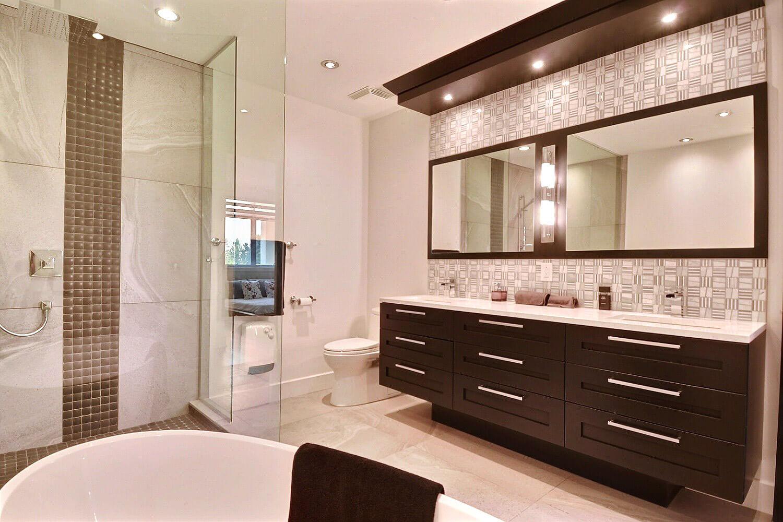 Salle de bain à Repentigny • Comptoir en quartz