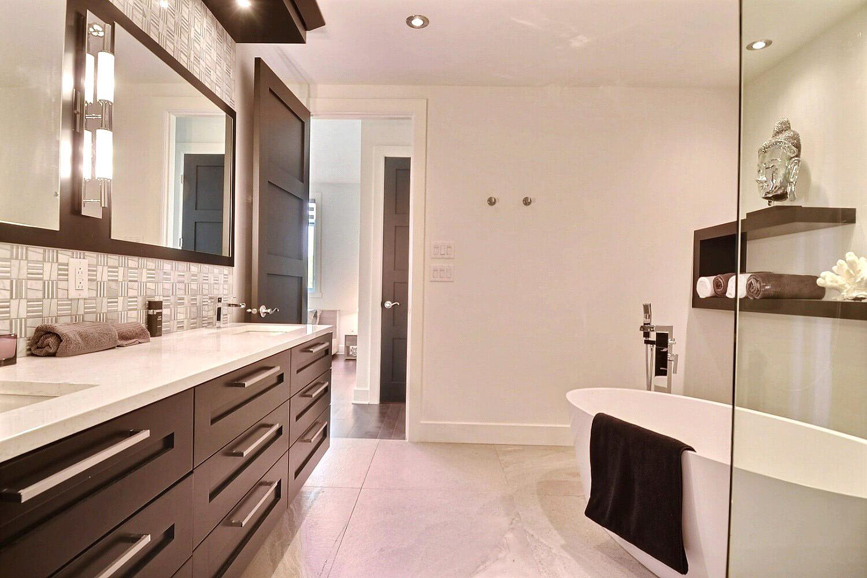 salle de bain repentigny comptoir en quartz monica f. Black Bedroom Furniture Sets. Home Design Ideas