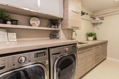 Salle de lavage à Montréal • Armoires en mélamine